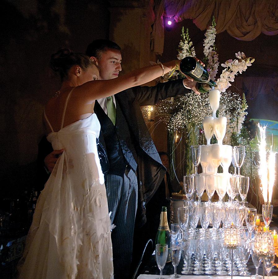 фирми за видеозаснемане и сватбена фотография